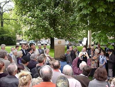 Einweihung der Stele für die Timberwölfe, Mai 2002